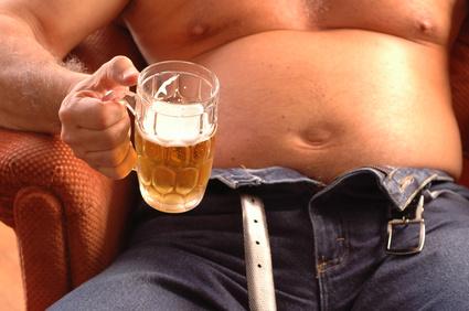 お酒大好き!でも筋トレにも痛風にも飲酒はよくないことばかり。じゃあどうするか?
