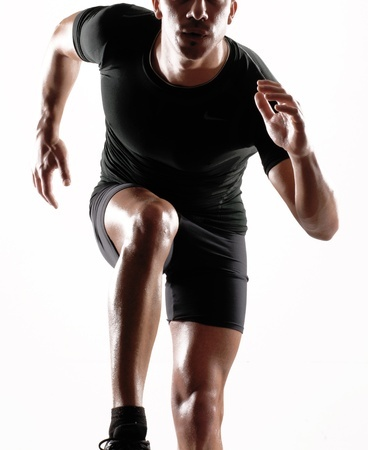 SKINS(スキンズ)は筋トレやスポーツ時における疲労軽減に効果的!実は痛風の人にもおすすめできるウェアである!